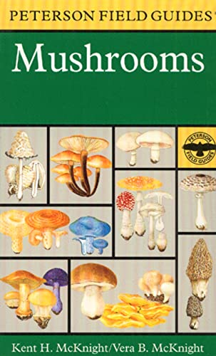 9780395910900: A Field Guide to Mushrooms: North America (Peterson Field Guides)