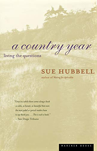 9780395967010: A Country Year: Living the Questions