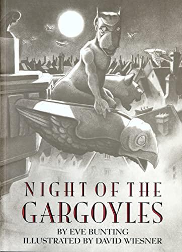 9780395968871: Night of the Gargoyles