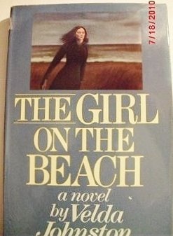 The Girl on the Beach: A Novel of Suspense