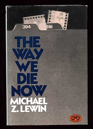 9780399110887: The way we die now (Red mask mystery)