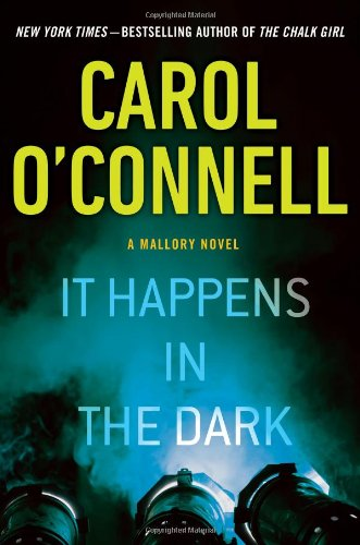 9780399165399: It Happens in the Dark (A Mallory Novel)