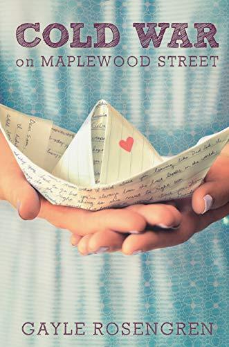 9780399171833: Cold War on Maplewood Street