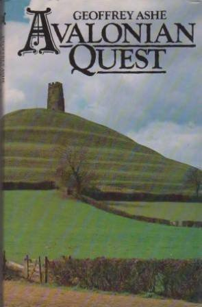 9780413488008: Avalonian Quest [Hardcover]
