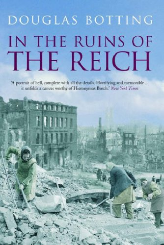 9780413775115: In the Ruins of the Reich