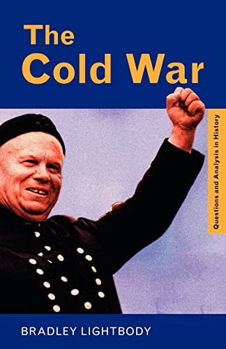 9780415195263: The Cold War (Questions and Analysis in History)