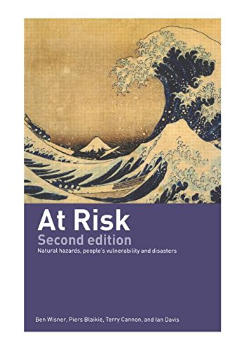 9780415252157: At Risk: Natural Hazards, People's Vulnerability and Disasters