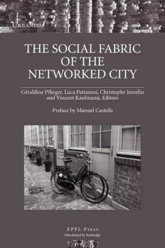 9780415461443: The Social Fabric of the Networked City