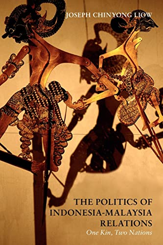 9780415470254: The Politics of Indonesia-Malaysia Relations: One Kin, Two Nations