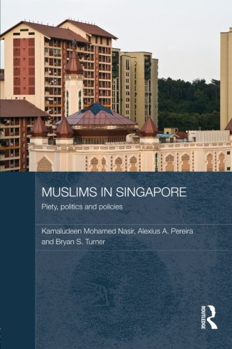 9780415560085: Muslims in Singapore