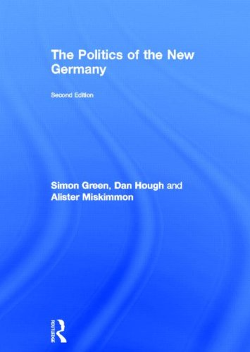 9780415604383: The Politics of the New Germany