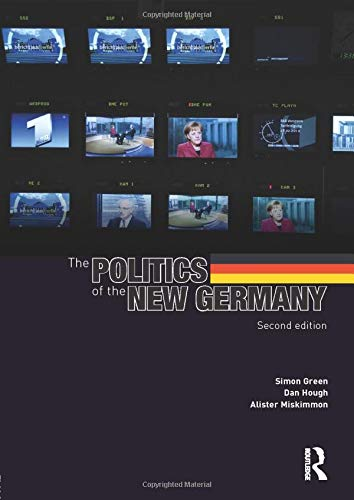 9780415604390: The Politics of the New Germany