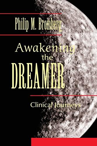 9780415888080: Awakening the Dreamer: Clinical Journeys