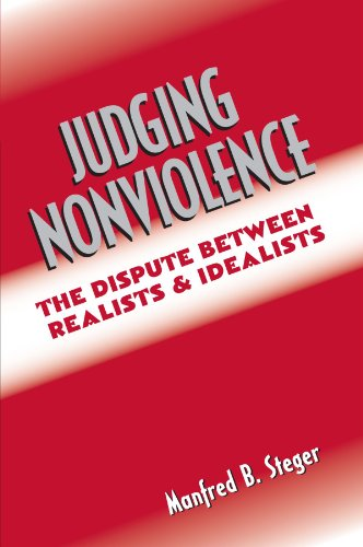 9780415933971: Judging Nonviolence: The Dispute Between Realists and Idealists
