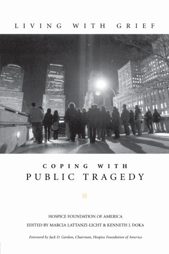 9780415946018: Living with Grief: Coping with Public Tragedy