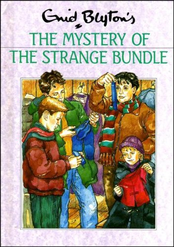9780416174229: The Mystery of the Strange Bundle (Rewards)