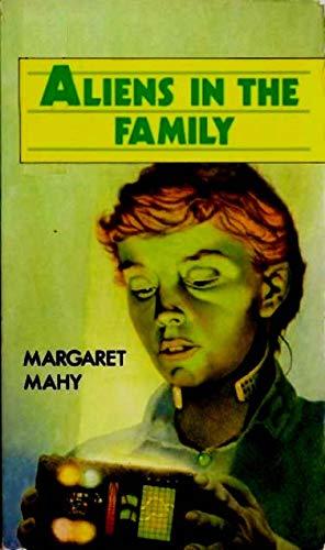 9780416973600: Aliens in the Family