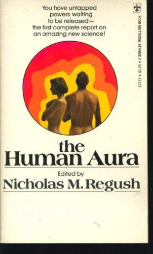 9780425027332: The Human Aura