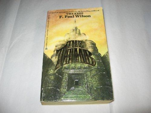 9780425072950: The Tomb