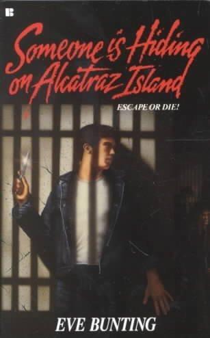 9780425088609: Someone Is Hiding on Alcatraz Island