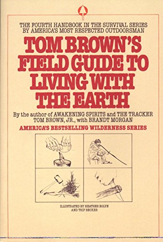 9780425091470: Tom Brown's Field Guide to Living with the Earth (Tom Brown's Field Guides)