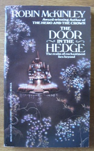 9780425095850: Door In The Hedge