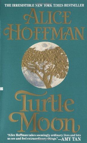 9780425136997: Turtle Moon