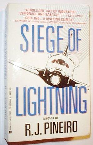 9780425137871: Siege Of Lightning