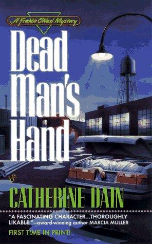 9780425157602: Dead Man's Hand (A Freddie O'Neal mystery)