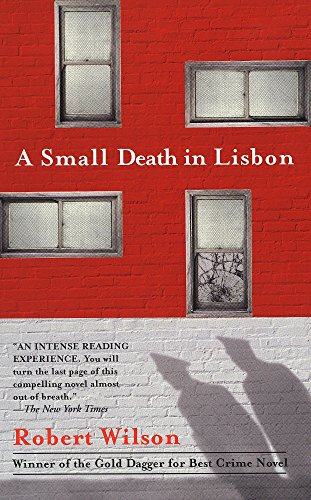 9780425184233: A Small Death in Lisbon
