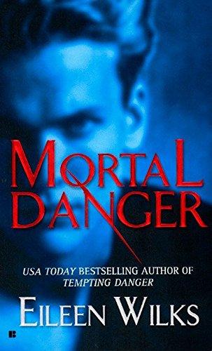 9780425202906: Mortal Danger (The World of the Lupi, Book 2)