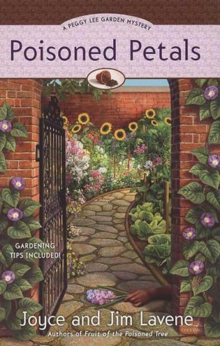 Poisoned Petals (A Peggy Lee Garden Mystery): Lavene, Joyce and