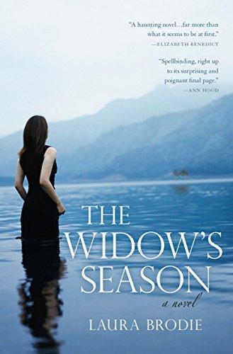 9780425227657: The Widow's Season