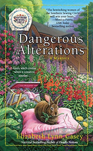 9780425244616: Dangerous Alterations (A Southern Sewing Circle Mystery)