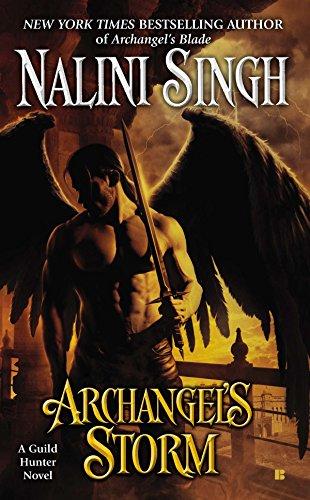 9780425246580: Archangel's Storm