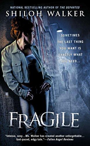 9780425250952: Fragile