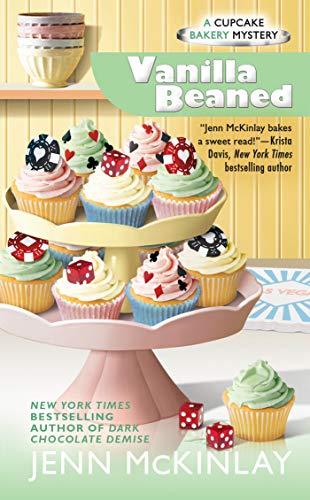 9780425258941: Vanilla Beaned: Cupcake Bakery Mystery