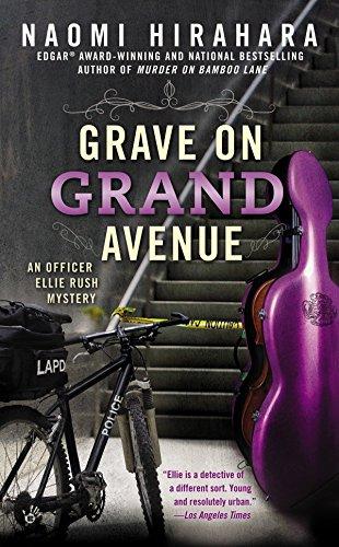 9780425264966: Grave on Grand Avenue (An Officer Ellie Rush Mystery)