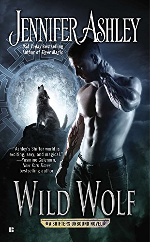 9780425266045: Wild Wolf (A Shifters Unbound Novel)