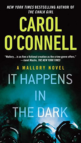 9780425270875: It Happens in the Dark (A Mallory Novel)