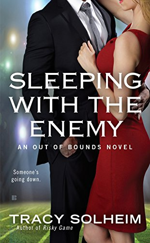 9780425281024: Sleeping with the Enemy (Out of Bounds)