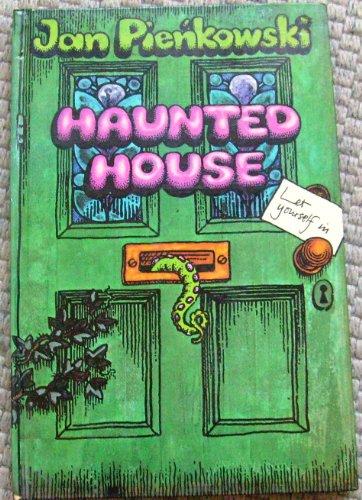 9780434956357: Haunted House