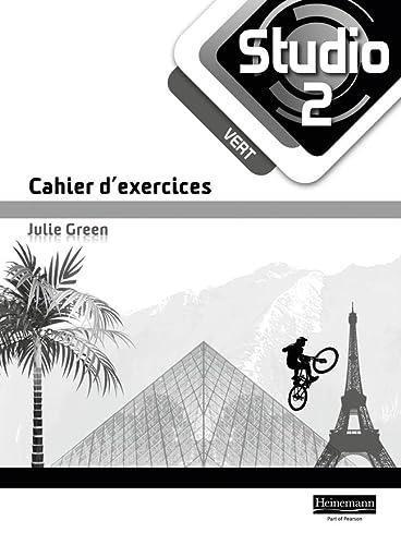 9780435030230: Studio 2 vert Workbook (pack of 8) (11-14 French)