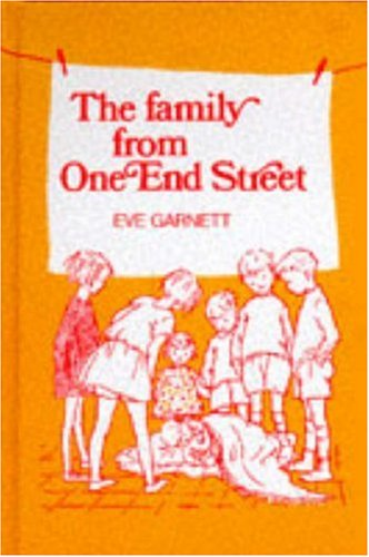9780435120047: The Family from One End Street (New Windmills)