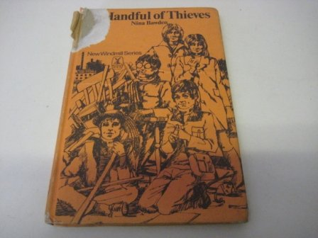 9780435121907: Handful of Thieves (New Windmills)
