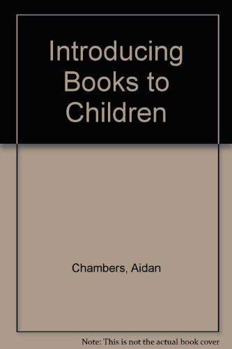 9780435801809: Introducing Books to Children