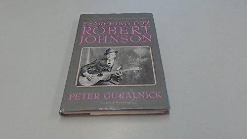 9780436199998: Searching for Robert Johnson