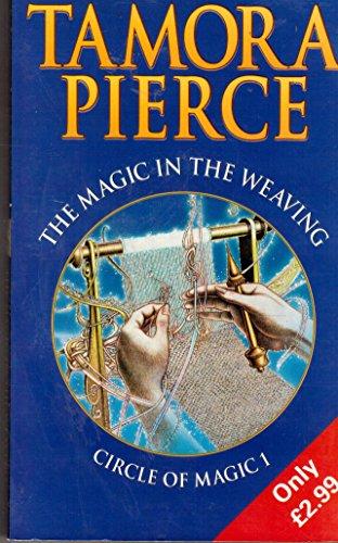 9780439014267: MAGIC IN THE WEAVING