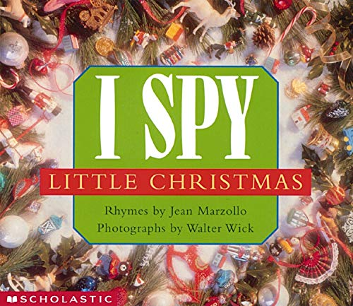 9780439083317: I Spy Little Christmas