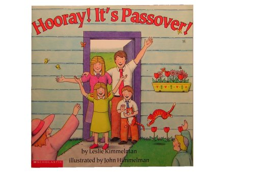 9780439187107: Hooray! It's Passover!